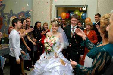 Поздравления молодых родителями невесты на свадьбе за столом