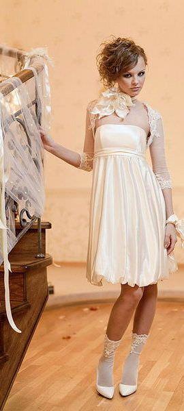 Отже, коротке весільне плаття - прекрасний вибір для настільки...